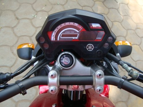 YamahaFZ16-2