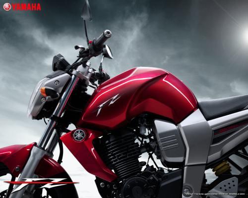 YamahaFZ16-7