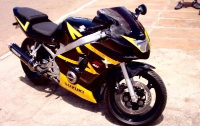 GS500Carenada (5)