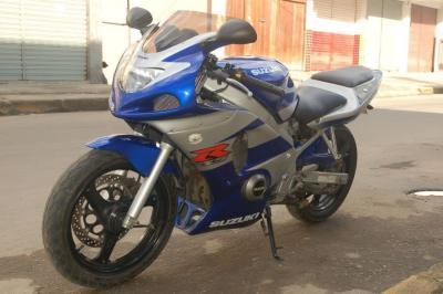 GS500Carenada (6)