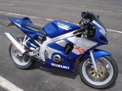 GS500Carenada (9)
