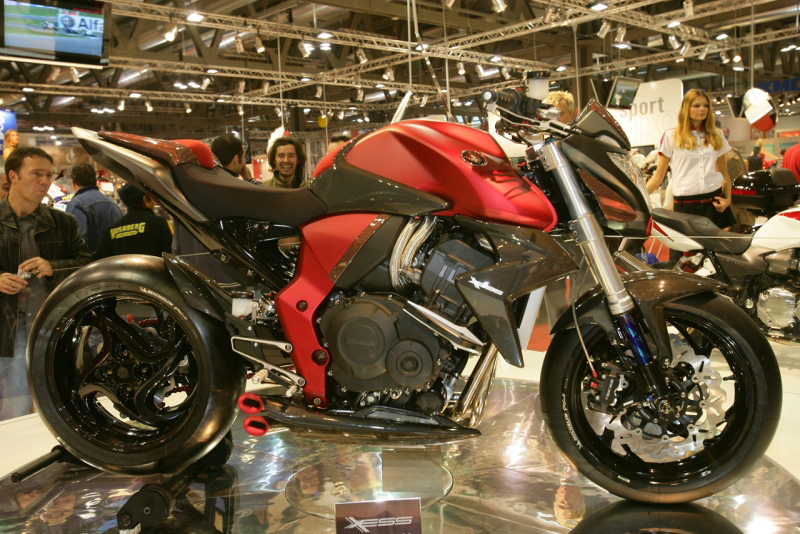 honda motorcycles, Honda CB1000R, Honda CB1000R XESS , Honda CB1000R XESS - extreme potential of this new Naked streetfighter's intensely aggressive power