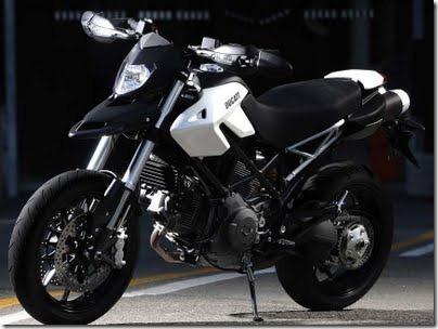 Ducati_hypermotard_796