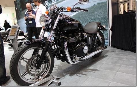 triumph_Speed_Master_2011