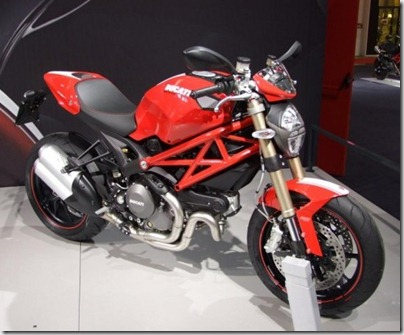 Milao_Ducati_Monster10100Evo_1