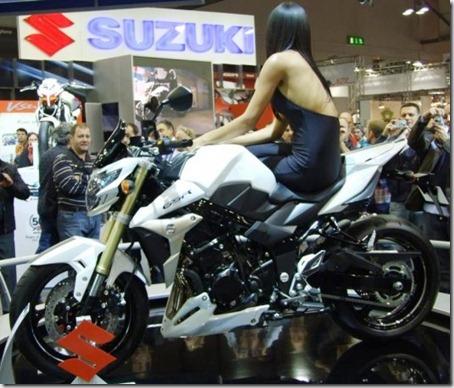 Milao_Suzuki_GSR750_1