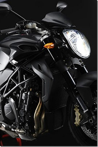 2011_MV_Agusta_Brutale_920_Engine