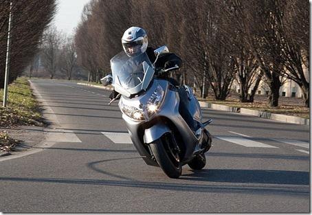 2010-Sym-Maxsym-400-9