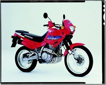 Honda-NX-650-Dominator-1999