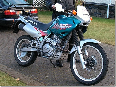 Honda-NX_650_Dominator-2002