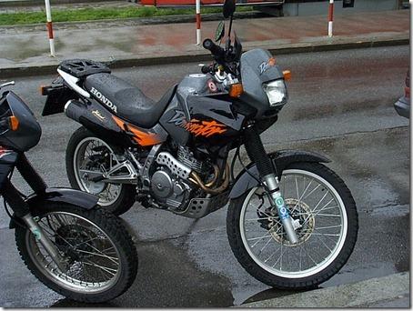 Honda-NX_650_Dominator-2003