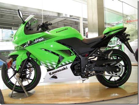 sobreduasrodas-Kawasaki-Ninja-250R-2010-05