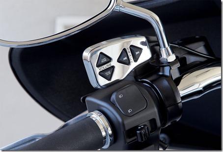 2011-Yamaha-StratolinerDeluxefejm