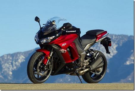2011-Kawasaki-Ninja-1000-2