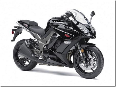 2011-Kawasaki-Ninja-1000-7
