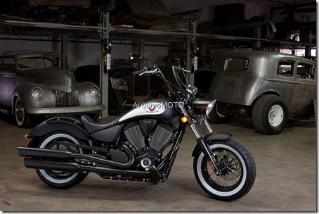 Victory-Motorcycles-High-Ball-03