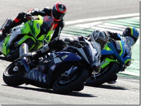 Moto1000GP_4