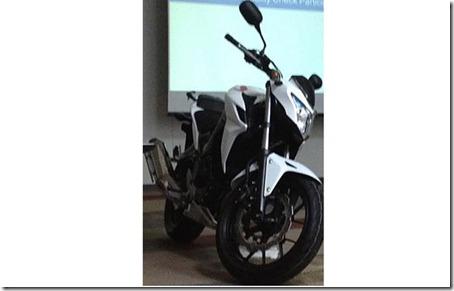 Honda-CB500-2013_640x408