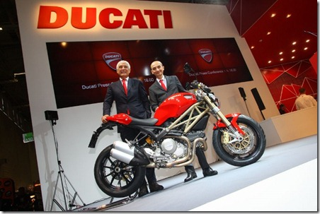100312-2013-ducati-monster-1-Ducati_Intermot2012_1-640x427