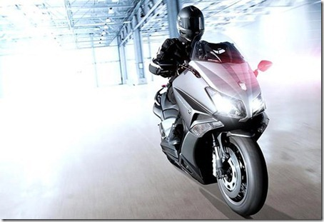 yamaha-tmax-530-hyper-modified-lazareth-2