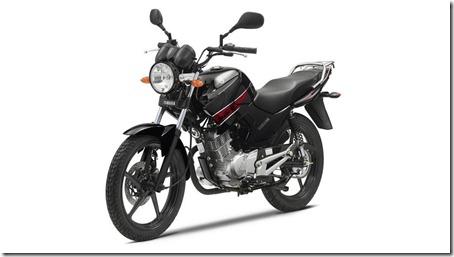 2013-Yamaha-YBR125-EU-Midnight-Black-Studio-007